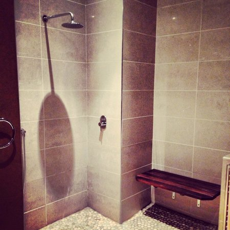 Riboville: Shower