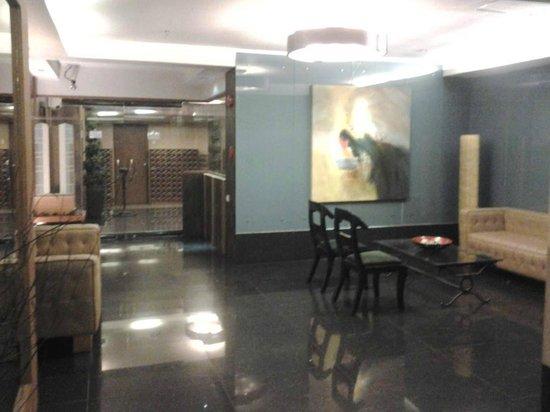 Shaw Residenza Suites: Lobby