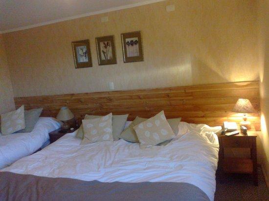 Hotel Borde Lago: cama matrimonial