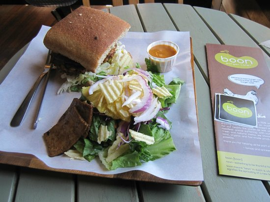 Boon Burger Cafe : Vegan Cowboy Burger