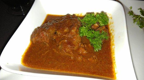 3 Olives Mediterranean Bar & Restaurant: lamb stew