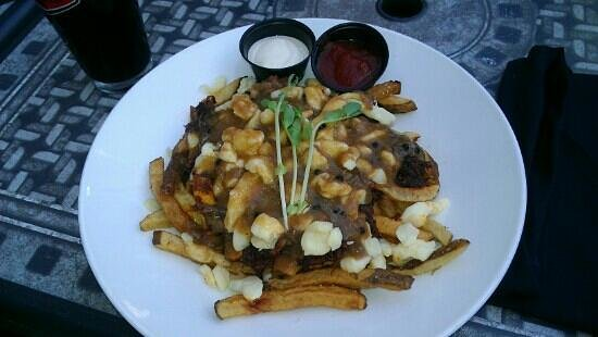 Beer Bros: Pulled Pork Poutine