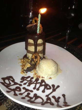 Eight K Restaurant : birthday dessert