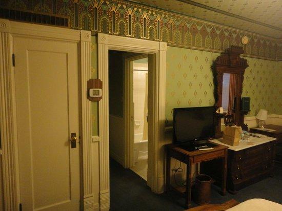 Strater Hotel: Corner room