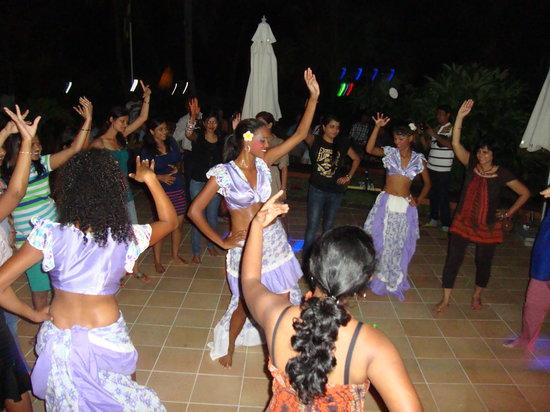 Jalsa Beach Hotel and Spa: Guests dancing sega and having lots of fun
