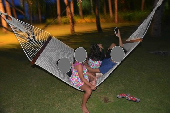 Shangri-La's Boracay Resort & Spa: hammock to goof around