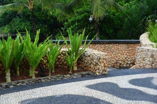 Shangri-La's Boracay Resort & Spa: details details details