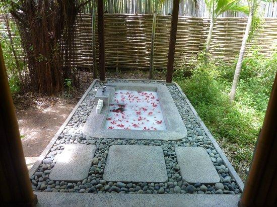 An Lam Ninh Van Bay Villas: ванная под открытым небом