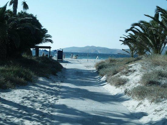 Caravia Beach Hotel: wejście na plażę