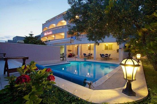 Hotel Villa Daniela: surrounded by Mediterranean greenery