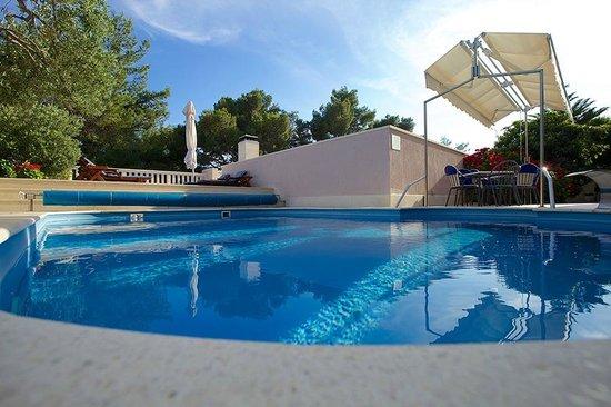 Hotel Villa Daniela: Pool