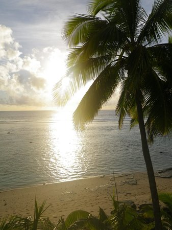 The Edgewater Resort & Spa: Sunset from our room (411)