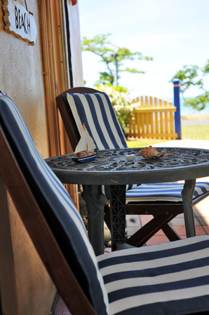Onna Mission Beachfront Apartments: Relax and enjoy