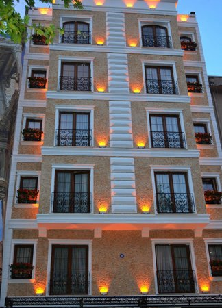 The Istanbul Hotel: Hotel