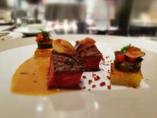 """Restaurant de l'Hotel de Ville Crissier: Noble boeuf de race """"Salers"""" grillé"""
