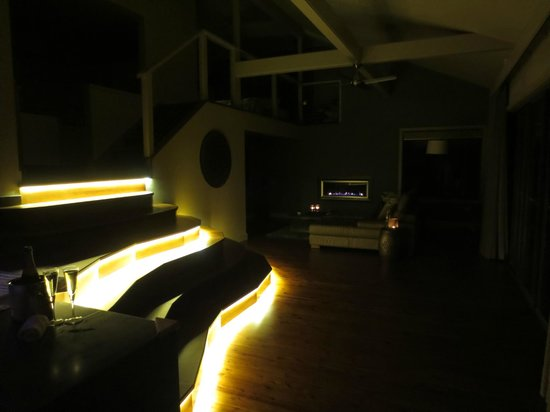 سيدارز ماونت فيو: Lovely mood lighting