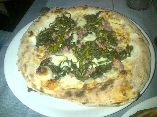 Dual Ristorante Pizzeria: Salsiccia e Friarielli