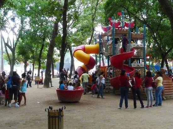 Paseo de Los Proceres: Uno de los parques infantiles