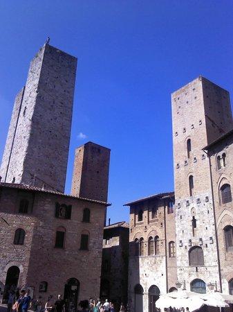 Hotel Ristorante da Graziano : torri San Gimignano