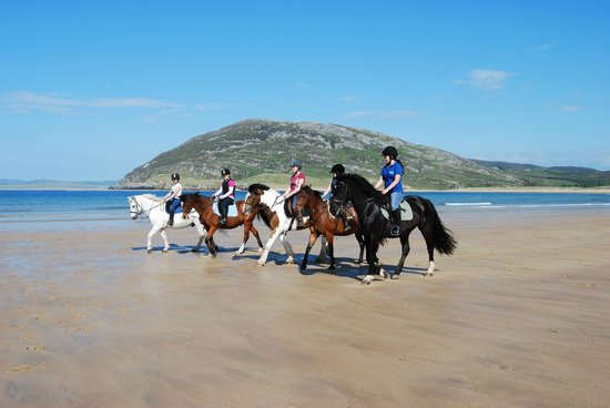 Clonmany, Irland: Horse Riding On Tullagh Beach
