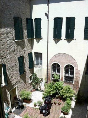Hotel Corte Estense: Foto su cortile interno corte