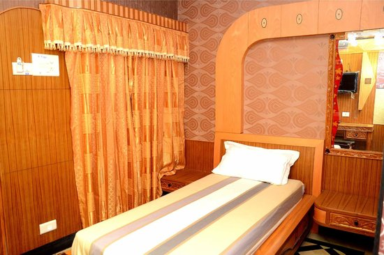 Hotel Tamilnadu -  Trichy: SINGLE DELUXE ROOM