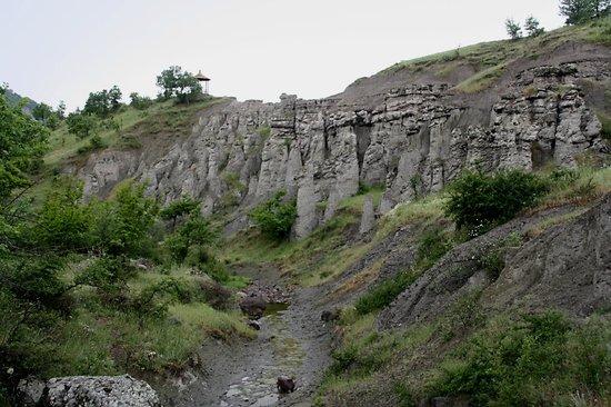 Kratovo, Republika Macedonii: Het dal met de 'beelden'