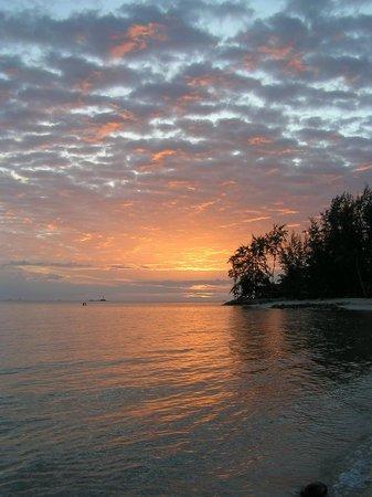 Seaview Rainbow: Sunset