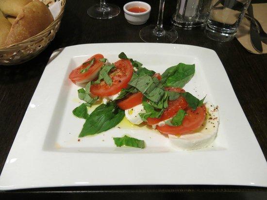 Ristorante Con Amore : Tomaattia ja mozzarellaa