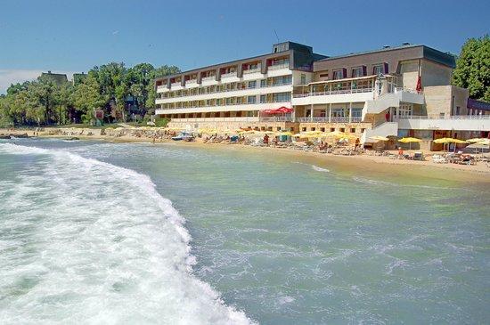 Nympha Hotel: beach