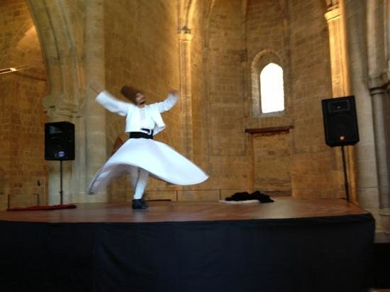 Whirling Dervish Performance Nicosia: The Whirling Dervish is dizzying in his constant spinnings!