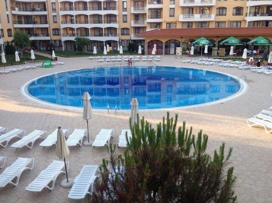 Royal Sun Apartments : Pool