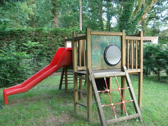 Camping L'étang D'ardy : jeu enfants