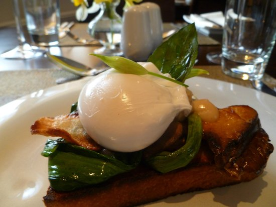 The Birch Tree: Poached Egg on Toast