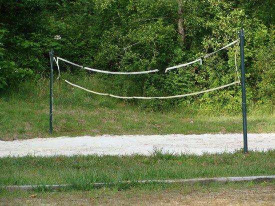 Camping L'étang D'ardy : volley espace jeu