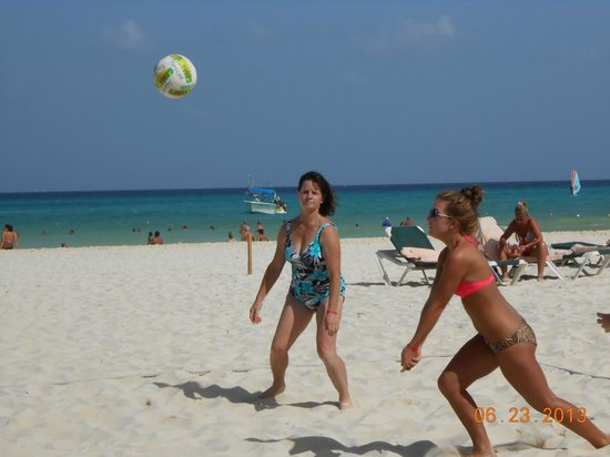 Hotel Riu Playacar : Beach Volleyball