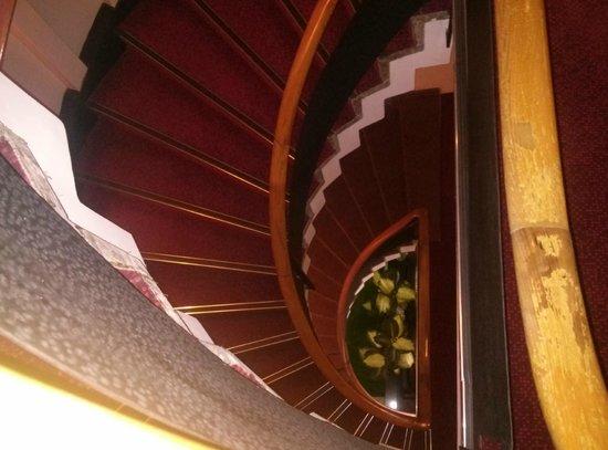 Kordon Otel Alsancak: staircase