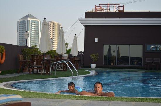 فندق رويال آسكوت: Swimming Pool