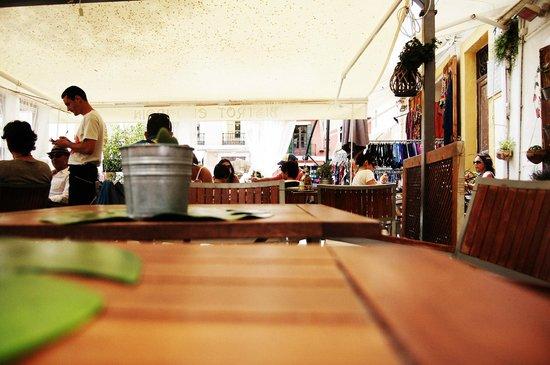 Restaurante bistrot el jardin en madrid con cocina for El jardin restaurante madrid
