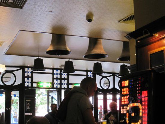 The Eight Bells JD Wetherspoon: the 8 bells
