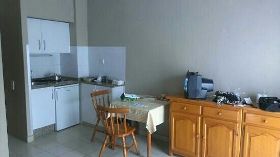 Apartamentos RF Bambi: apartamento cocina