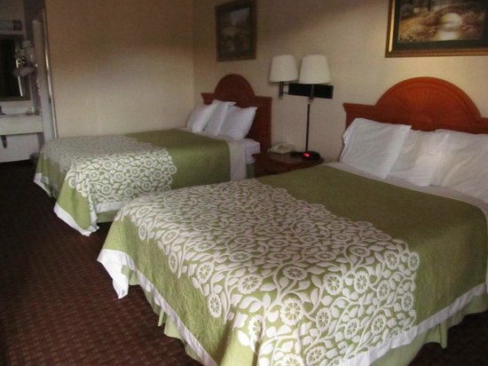 Days Inn Princeton: Lovely quilts