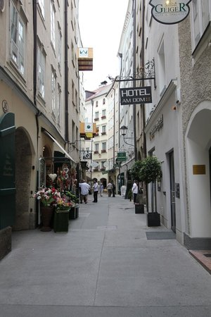 Hotel Am Dom: View of Hotel from Street