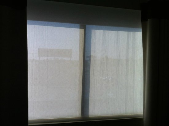 Four Points by Sheraton Boston Logan Airport Revere : Windows:  Can there be any more light coming through at night?