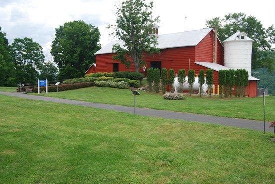 New York Power Authority Blenheim-Gilboa Visitors Center/Lansing Manor: Visitors Center