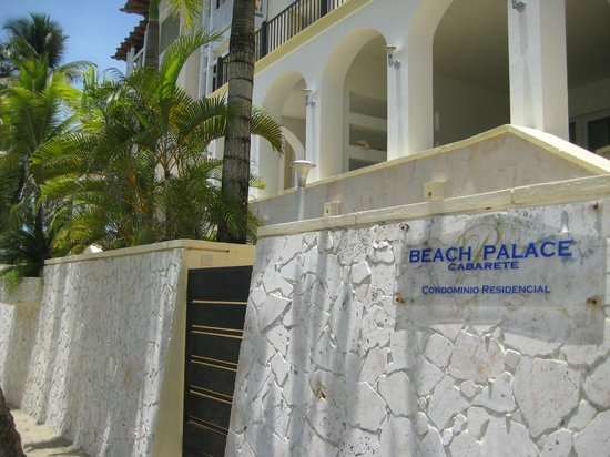 Beach Palace Cabarete: Beautiful condo right on the beach