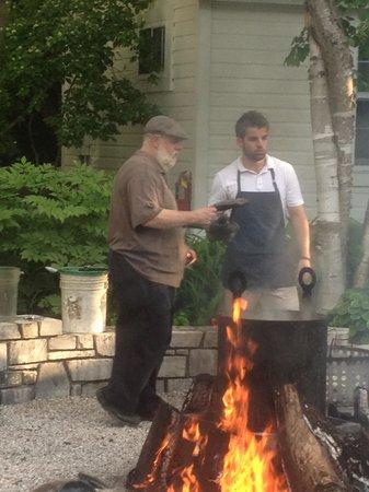 White Gull Inn : explaining a fish boil