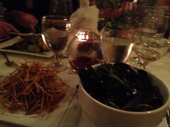 Le Rouge Restaurant: mussels