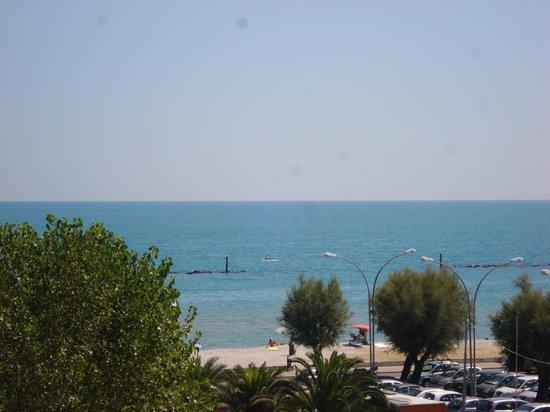 Roseto Degli Abruzzi, Italy: vista mare dalla stanza