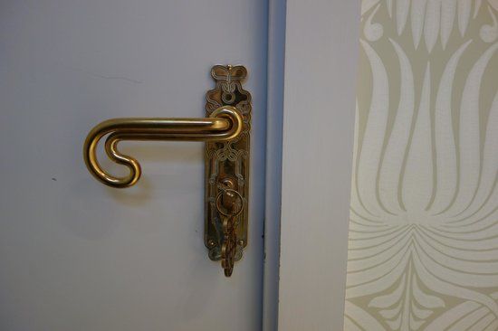 Hotel Thoumieux: Fantastic door handles